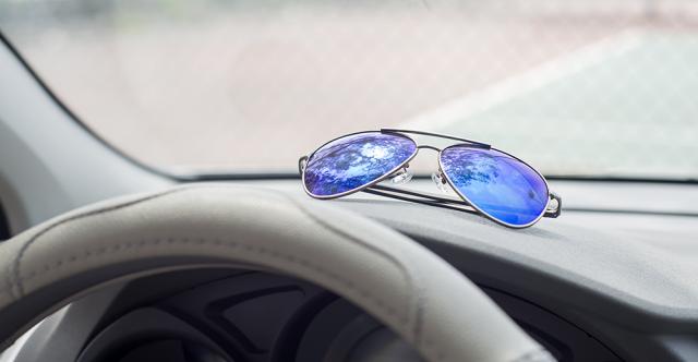 Les lunettes de soleil de conducteur sont essentielles pour réduire la fatigue oculaire